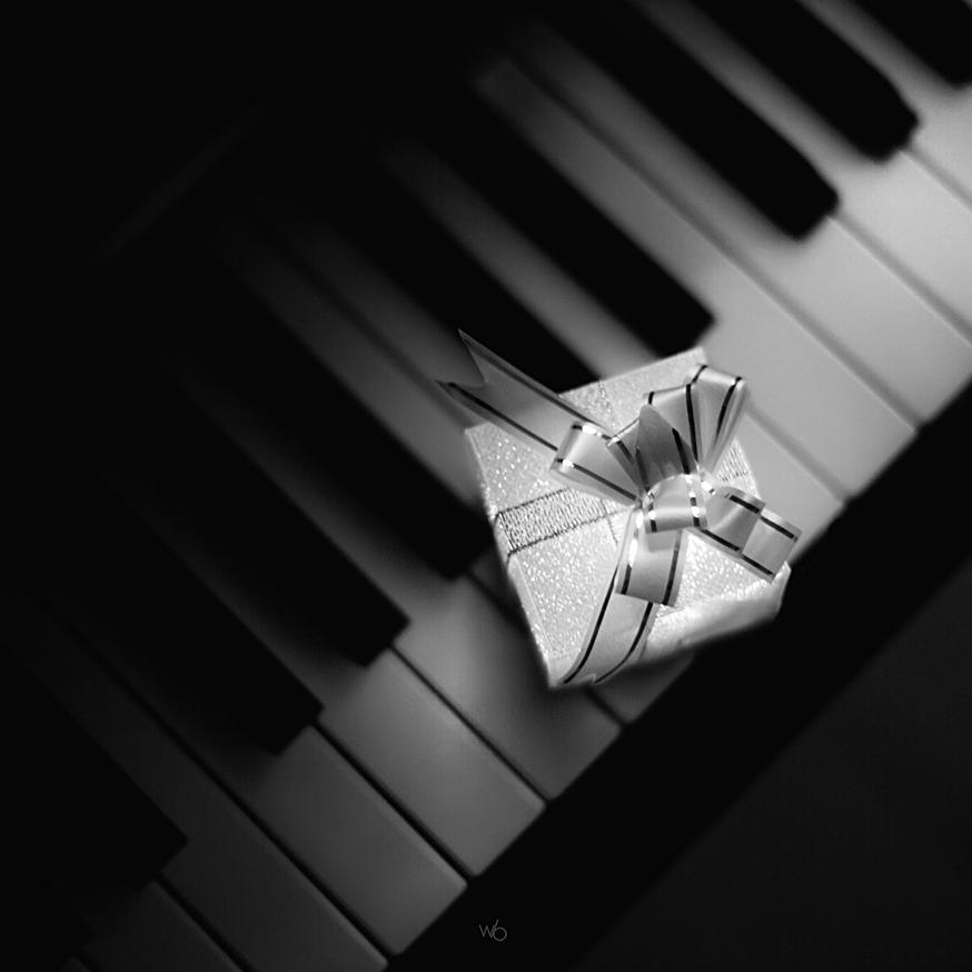Cadeau noël piano noir et blanc
